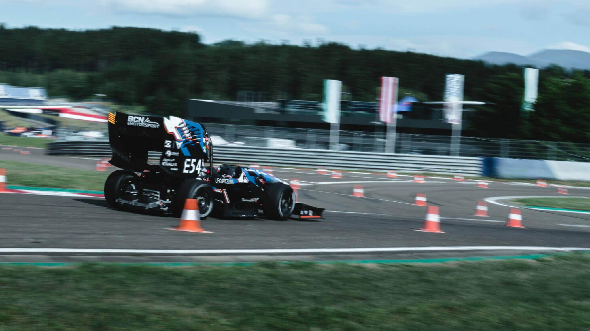 eMotorsport compitiendo patrocinado por Tormetal